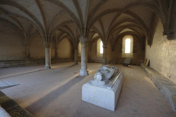 Le gisant de la Reine Bérengère dans la salle capitulaire